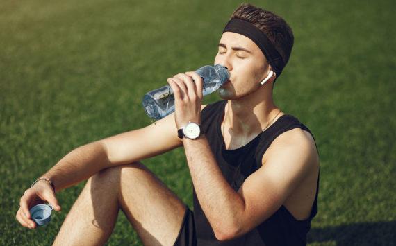 Agua vs Bebidas Deportivas
