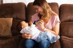 ¿Cuándo puede tu bebé tomar agua?