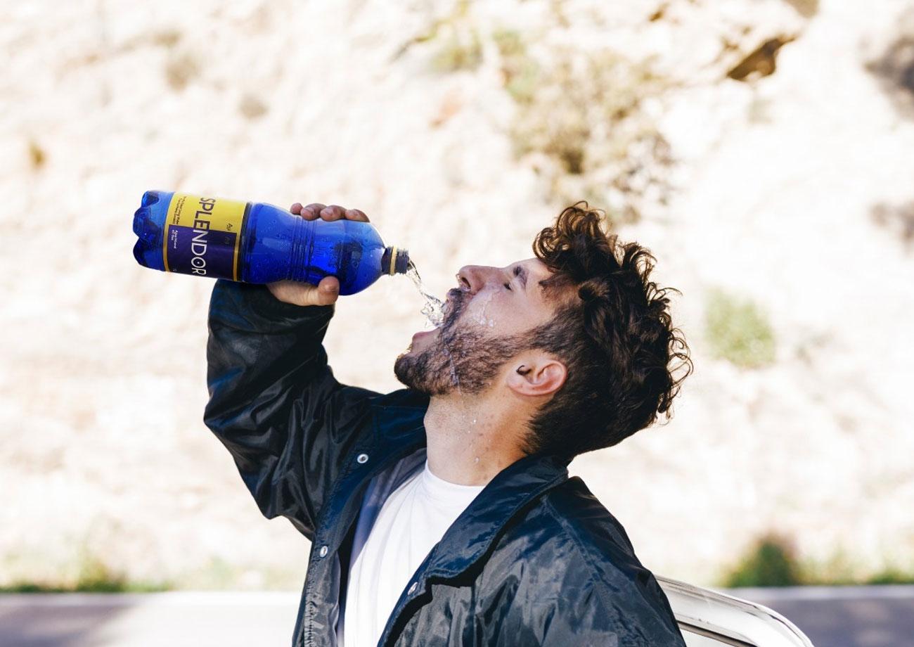 10 señales de advertencia que indican que a tu cuerpo sufre de falta de agua